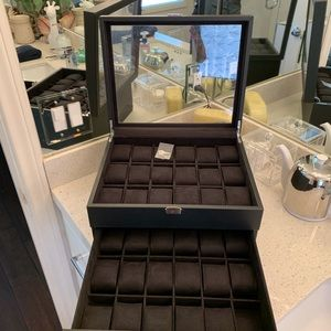 Other - NEW HUGE 36 slot locking watch case HARD TO FIND!